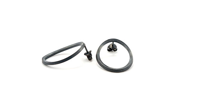 Sorte ovale øreringe
